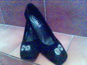 a popolnočné topánočky