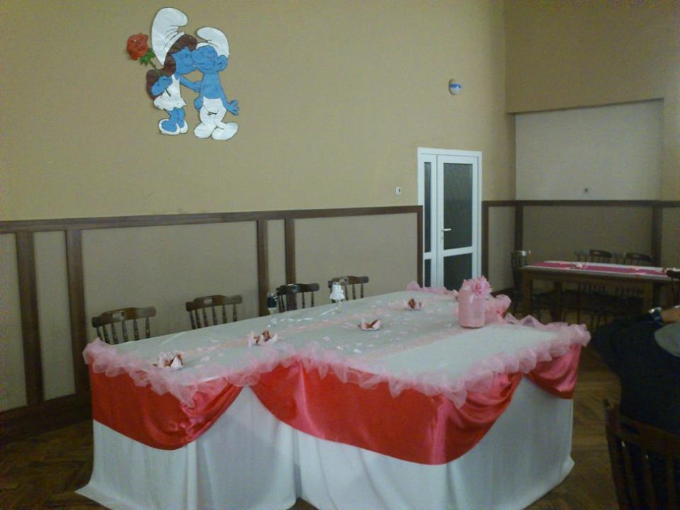 Milujem Svadby - moja výzdoba aj šmolkovia :-)