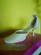 svadobné topánočky.