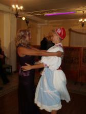Redový še začína, ......   tancujem s mojou krásnou mamkou