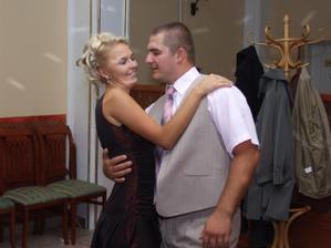 Šťastný mladomanželia