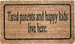 """PredDVEREza - na chodbe - v šatníku - """"Tu žijú unavení rodičia a šťastné deti"""""""