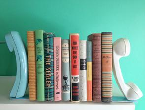 postup: http://www.abeautifulmess.com/2012/10/diy-telephone-bookends.html