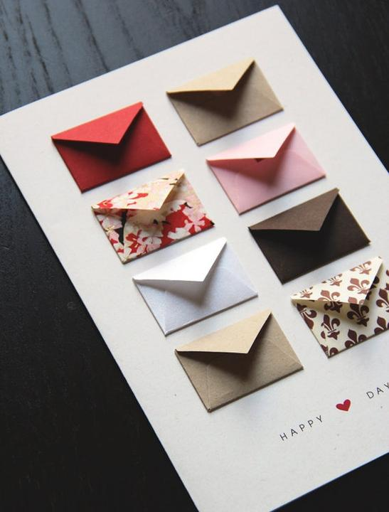 anniversary Gift Ideas❣ - Anniversary Card Idea: one mini envelope for each year together to write a favorite memory from that year