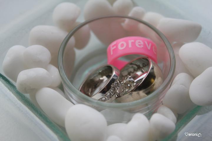 Osnova 1.♡ÝROČIA SVADBY - najväčšia radosť je z maličkostí :) ešte doteraz sa teším z objavu za 0,20€ = ružový prstienok FOREVER