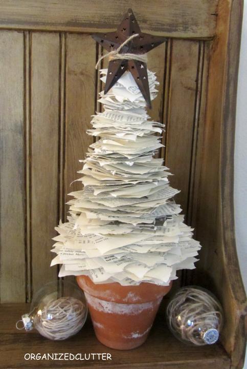 ☃ .:X:.mas ❄ - DIY : http://www.hometalk.com/668292/book-page-christmas-tree