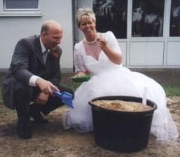 hledejte novomanželé:)