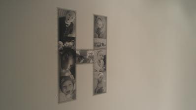nasledne washi paskami som pismena prilepila na stenu, zatial H-otove :-)