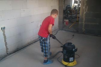 Vysávanie podlahy pred penetráciou, Filipko v akcii