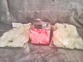 Umělé plátky růží + dekorační sklenice,