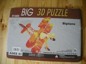 Vyhlídkový let-3D puzzle letadlo-asi 10Kč. A vzhledem tomu, že můj nastávající létá, uveří tomu :-)