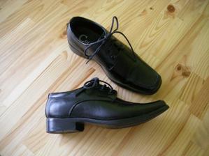 právě dorazily Honzíkovo botičky, jsem nadšená :-)
