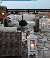 hodně podobnou lucernu mám, tak už jen chybí terasa a sezení :-D