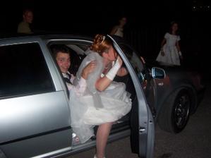 návrat z únosu nevěsty-dva na jednom sedadle:-)