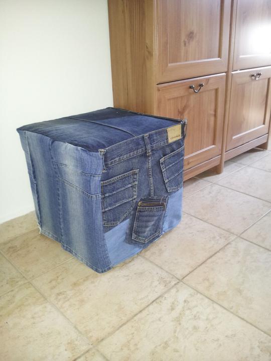 Home sweet home...... - ..nový poťah zo starých džínsov...