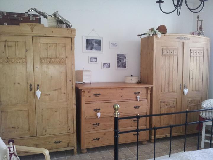 Home sweet home...... - ...skrine staré viac ako 100 rokov...