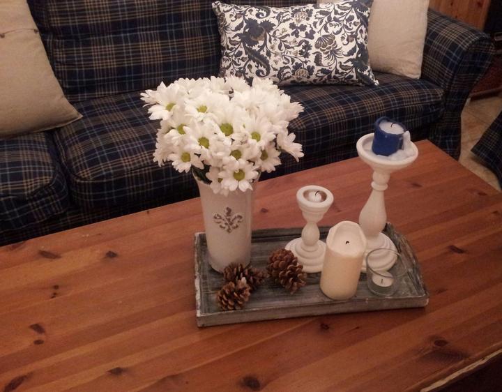 Home sweet home...... - ...dnes som si urobila radosť a kúpila som si kyticu bielych chryzantém.....