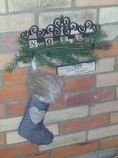 ..vianočná čižma...možno mi do nej Mikuláš aj niečo donesie :)