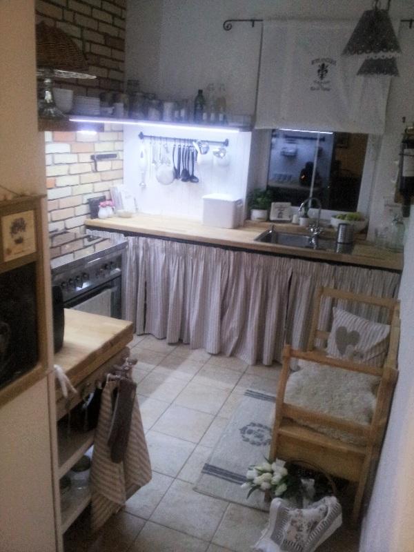 ..kuchyňa podľa mojich predstáv... - ..večerný pohľad do kuchyne...