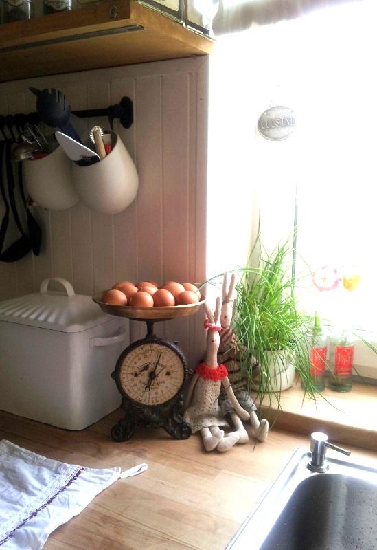 ..kuchyňa podľa mojich predstáv... - ..pár zajačikov...pár vajíčok.......Veľká noc v kuchyni......