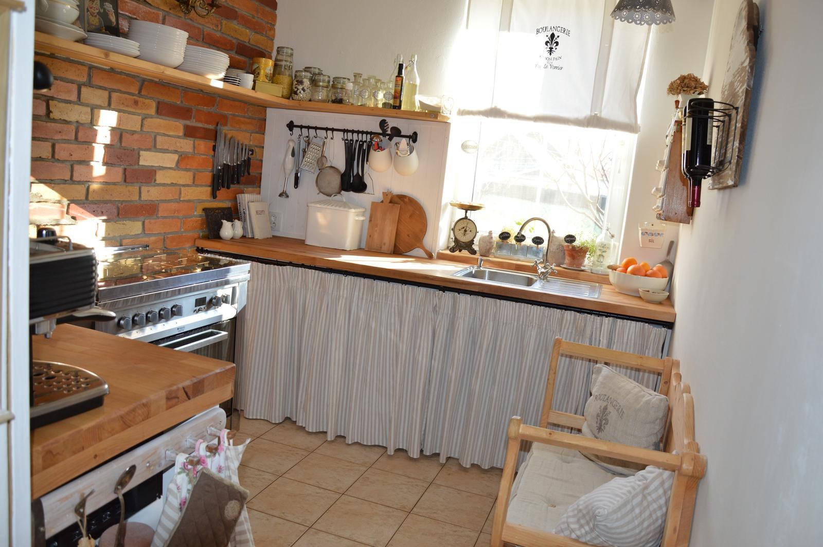 ..kuchyňa podľa mojich predstáv... - ...slniečkovo ....