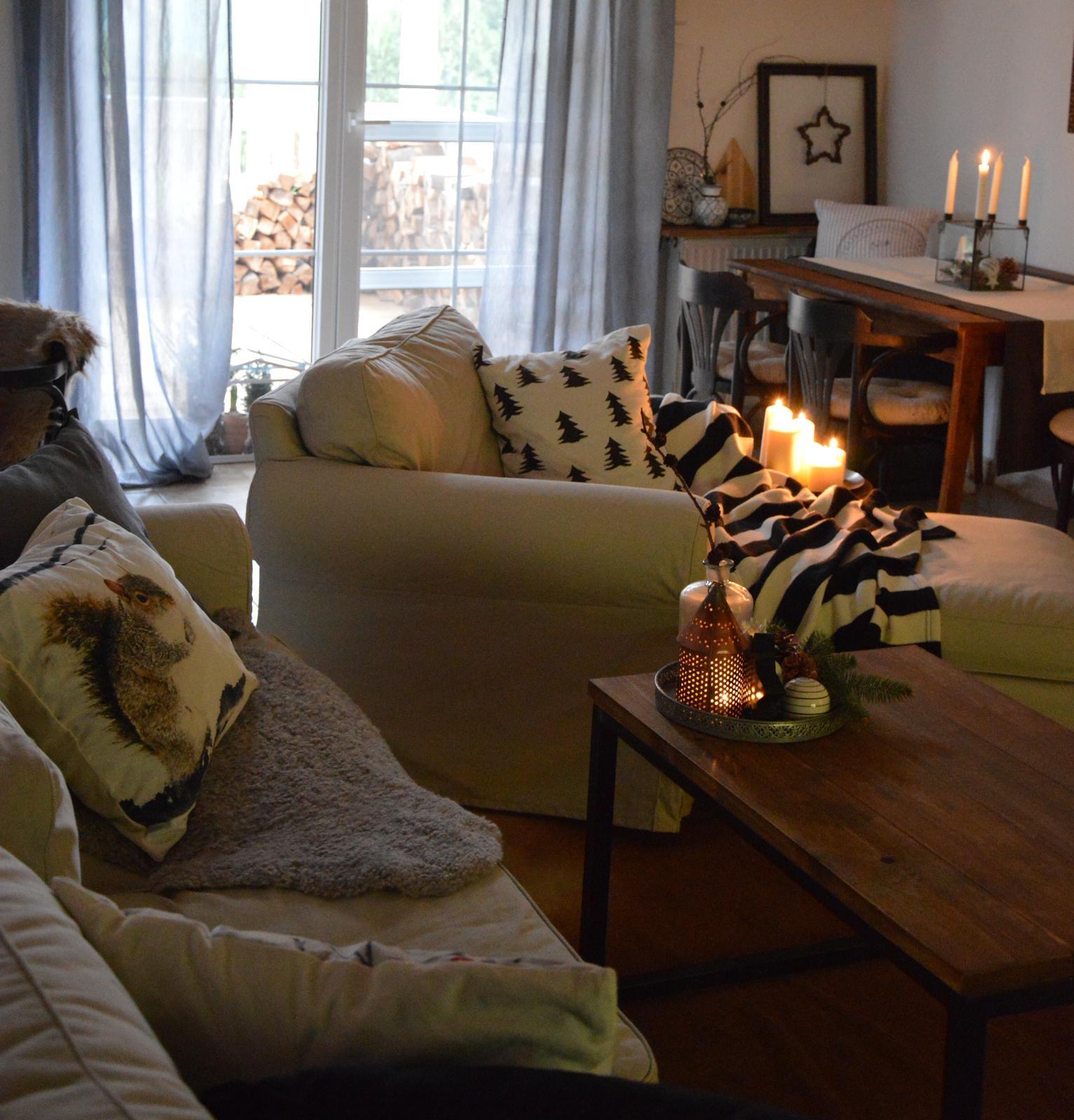 Home sweet home...... - ...tak sme zapálili prvú sviečku na advetnom boxe.....