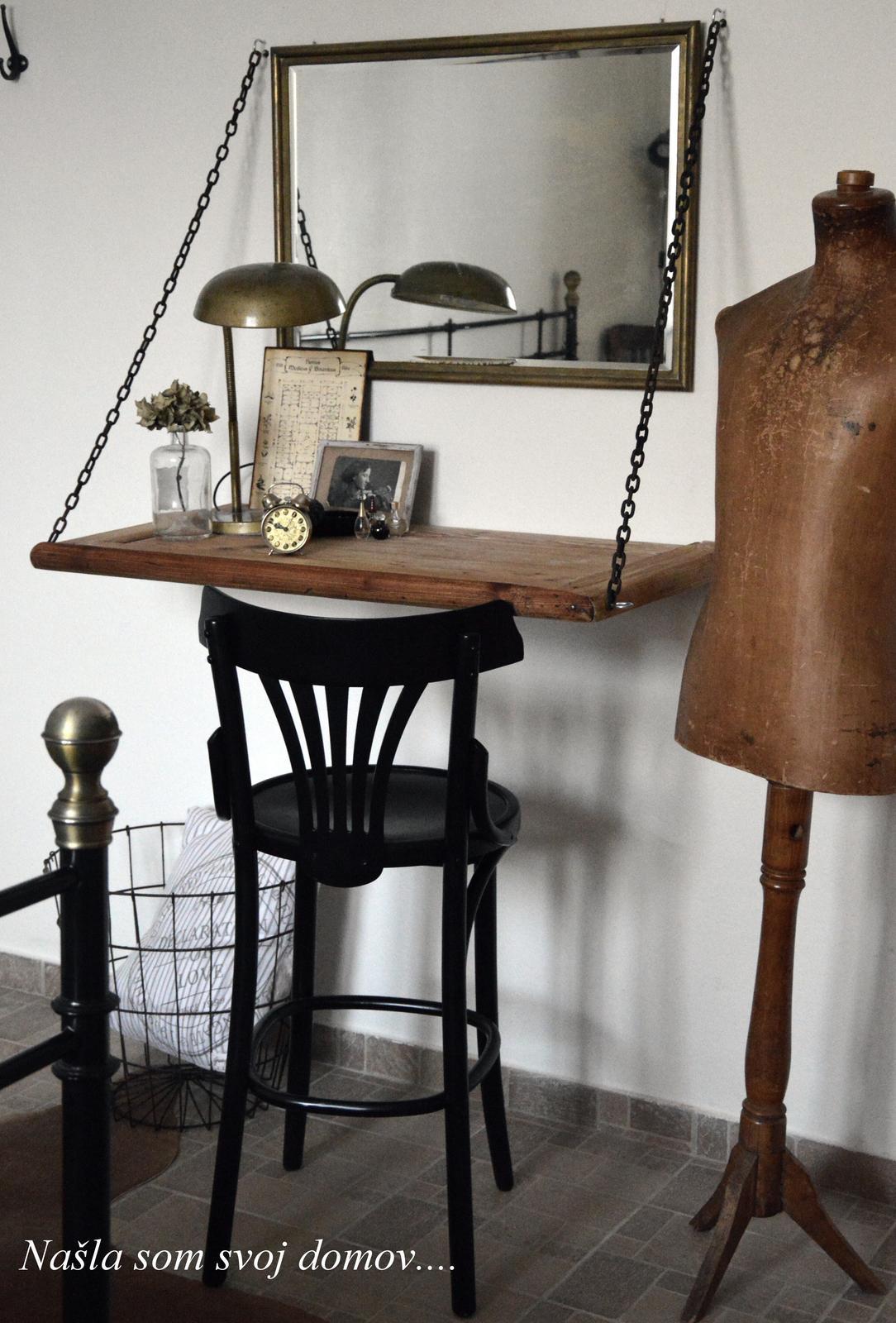 Home sweet home...... - ...toaletný stolík čo by sa nám hodil do spálne sme nezohnali...tak sme si ho vyrobili :-)