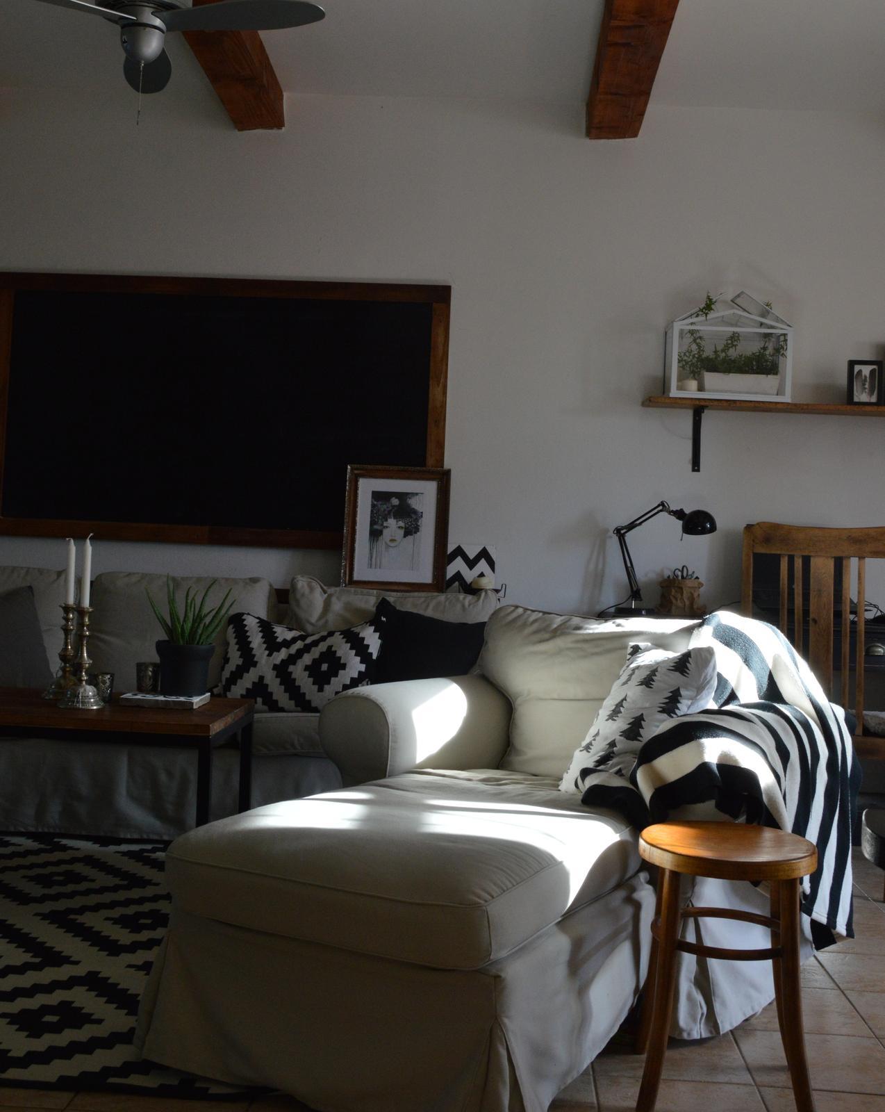 Home sweet home...... - ...do adventu sa budeme tešiť z čiernobielej...a potom hurá na Vianoce v modrom :-)