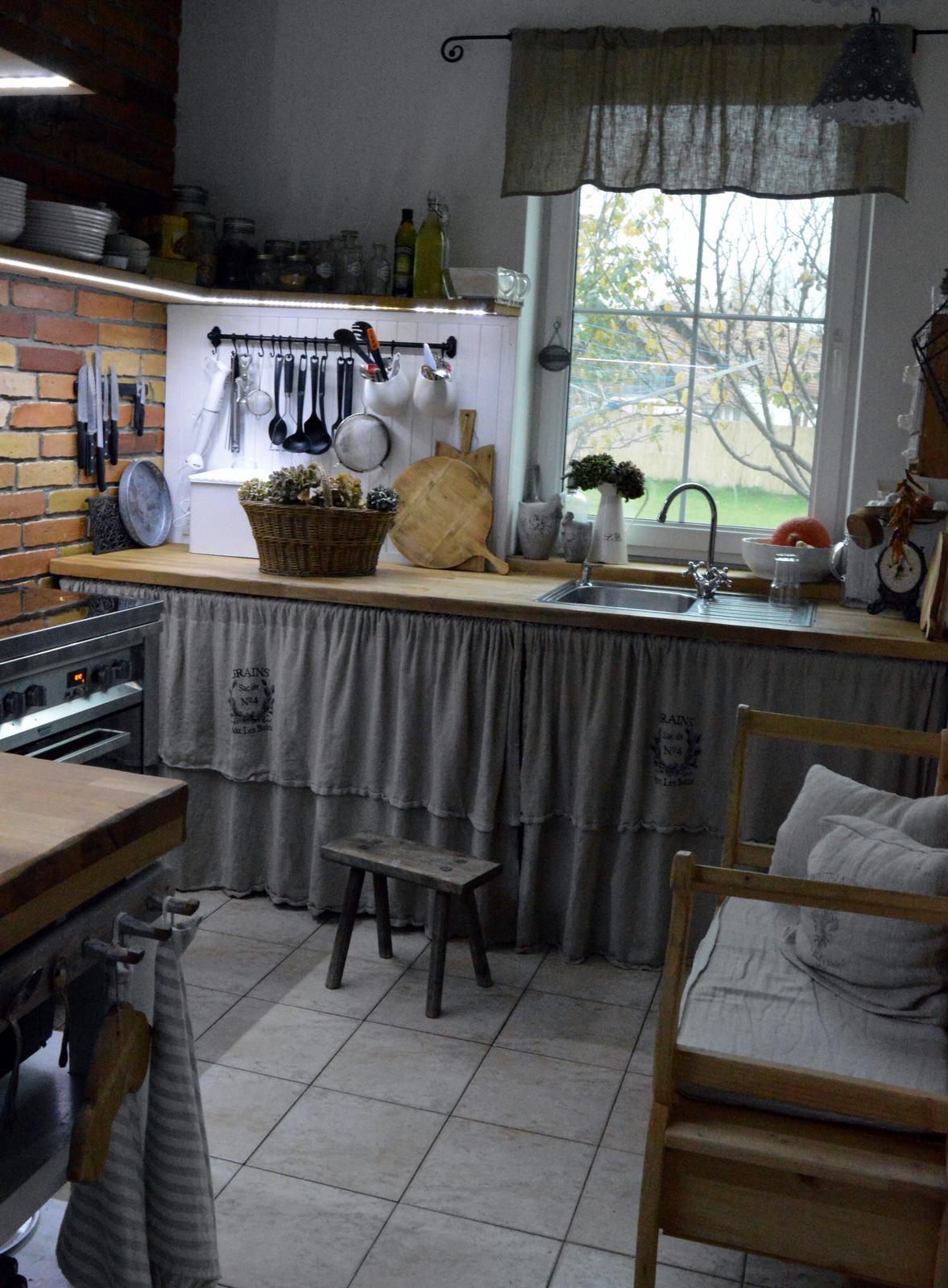 ..kuchyňa podľa mojich predstáv... - ...dnes som sa tak zamyslela, že naša kuchyňa bude mať už dva roky....