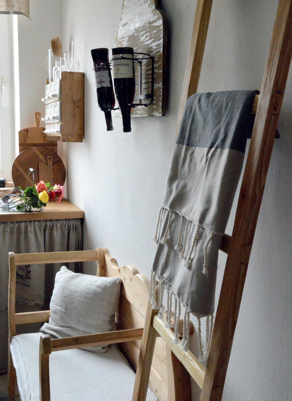 ..kuchyňa podľa mojich predstáv... - ...rebrík z dielne 50arches :-)