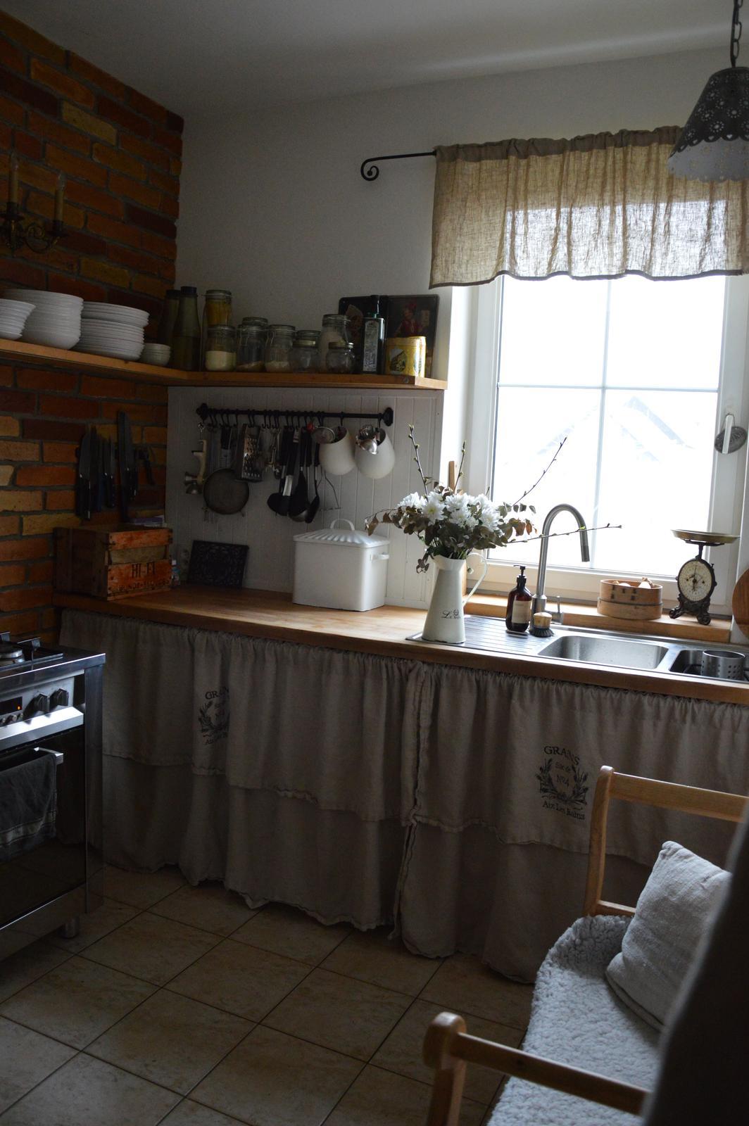 ..kuchyňa podľa mojich predstáv... - ....štyri roky....a páči sa mi stále rovnako :-)
