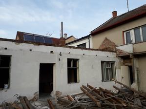 6.3.2019 střecha je už bez trámů