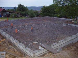 připraveno na betonování