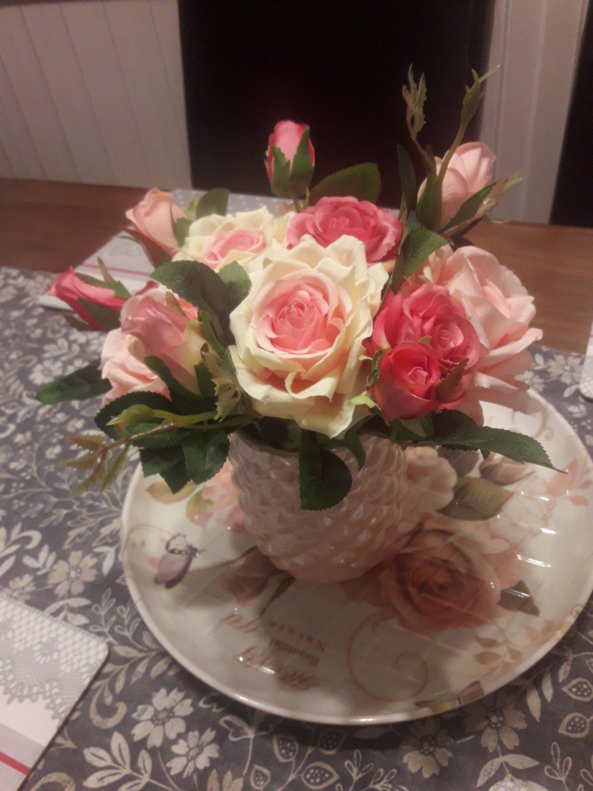 Ruže vo váze - Obrázok č. 2