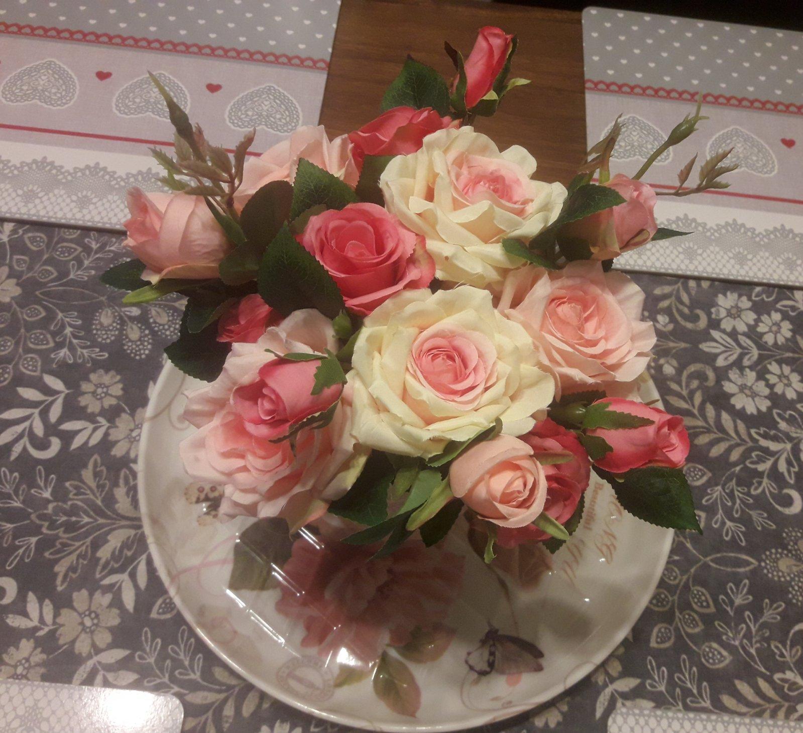 Ruže vo váze - Obrázok č. 4