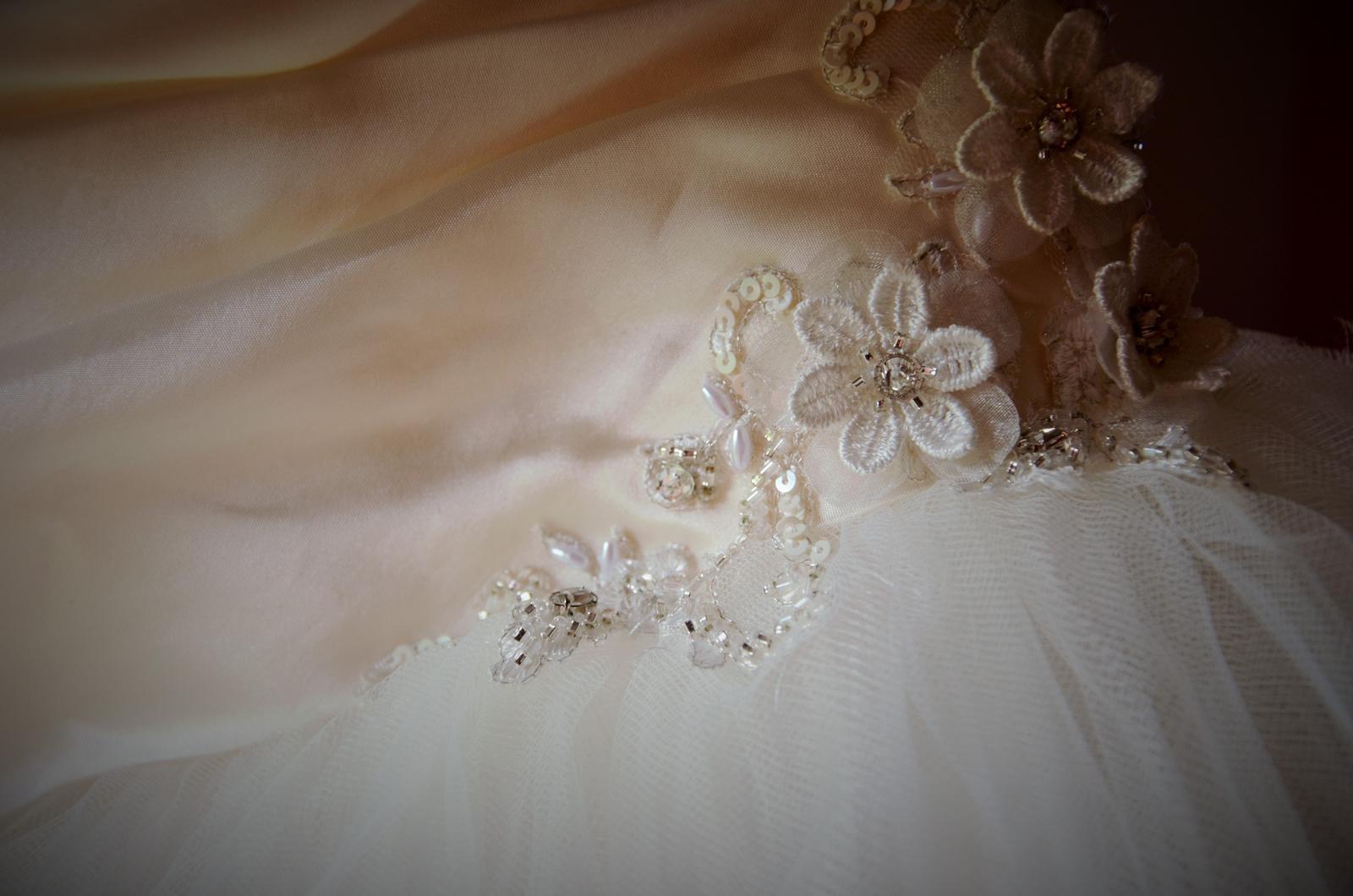Svadobne šaty-modern wedding tulle dress - Obrázok č. 3