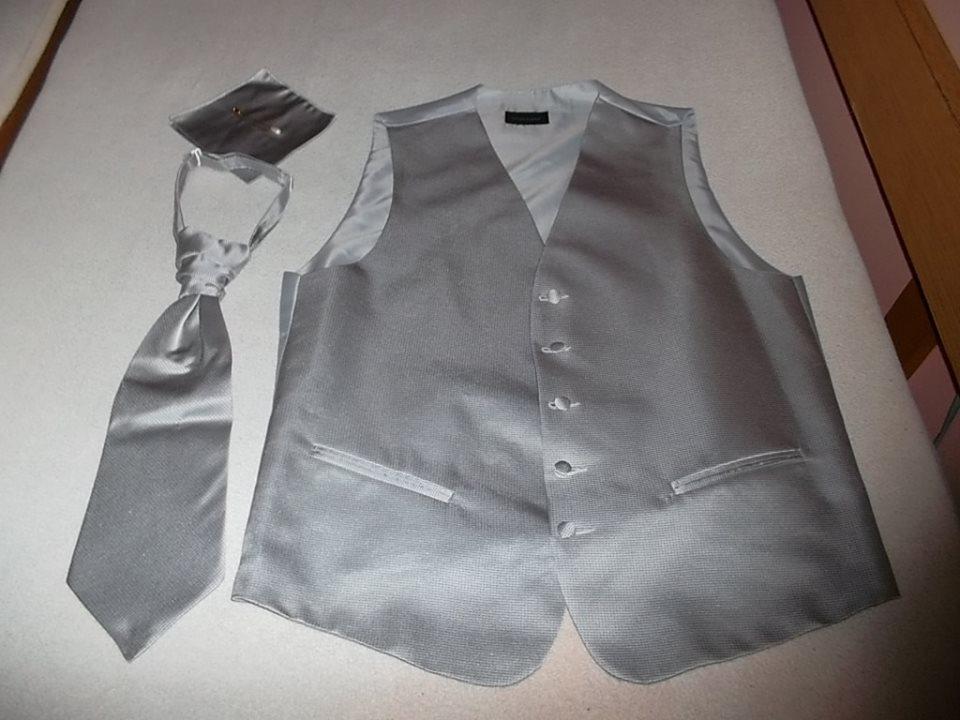 Svadobná francúzska pánska vesta s kravatou - Obrázok č. 1