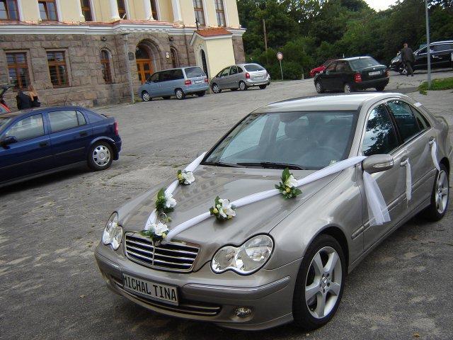 Martina{{_AND_}}Michal - ženíchovo svadobné auto