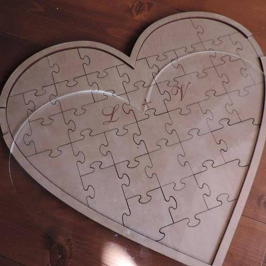 Kniha hostí puzzle - Obrázok č. 1