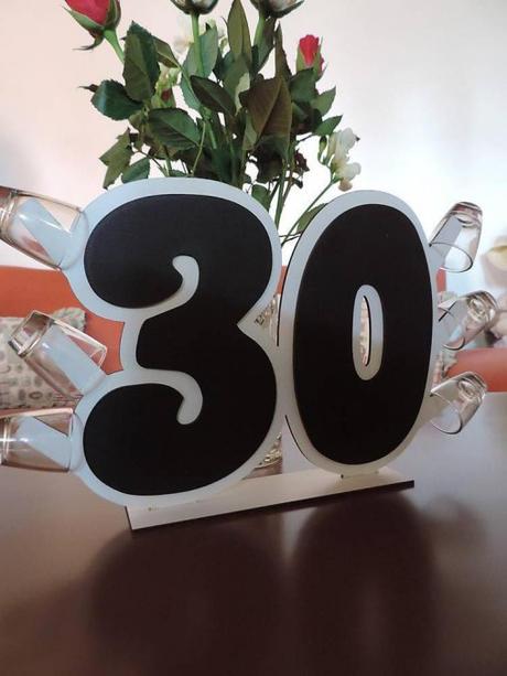 Drevené číslice na výročie s pohárikmi - Obrázok č. 1