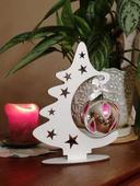 Vianočný stromček s ozdobou,
