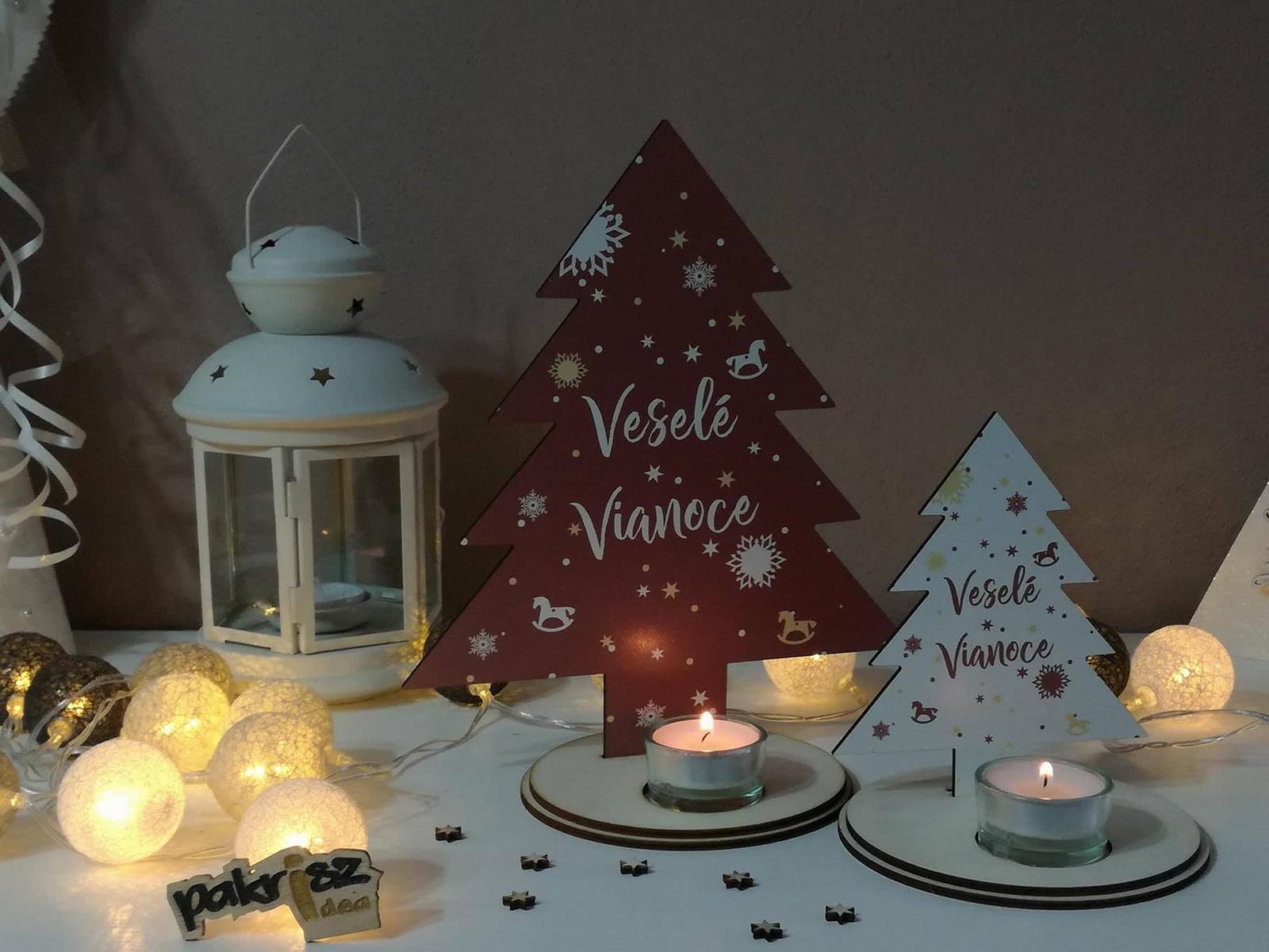 Svietnik s motívom vianočného stromčeku - Obrázok č. 1
