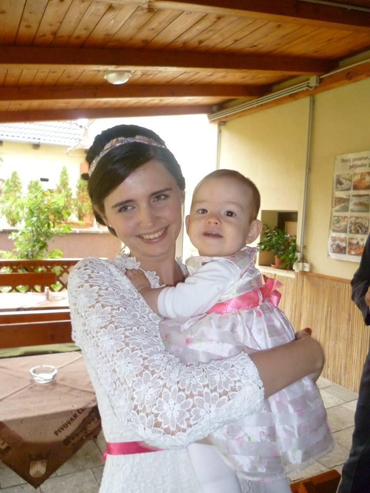 Karoli {{_AND_}}Míša - S neteřinkou (nejmladší účastnicí naší svatby) :)
