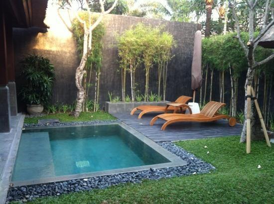 Bazén v malej záhradke