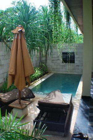 Bazén v malej záhradke - Obrázok č. 13