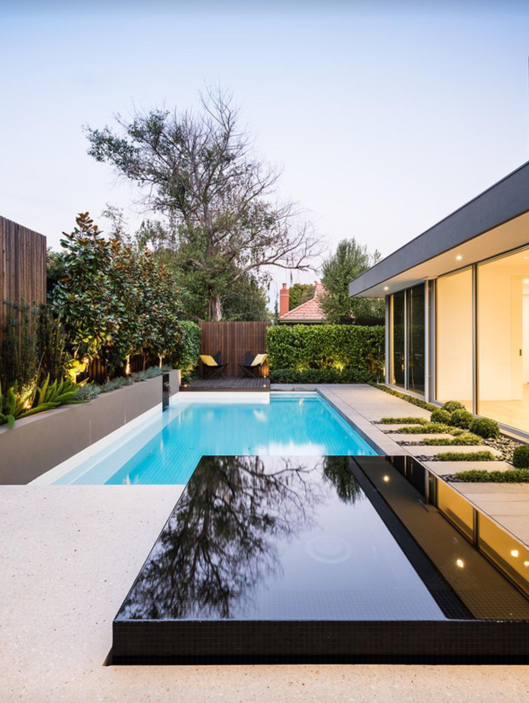 Bazén v malej záhradke - Obrázok č. 37