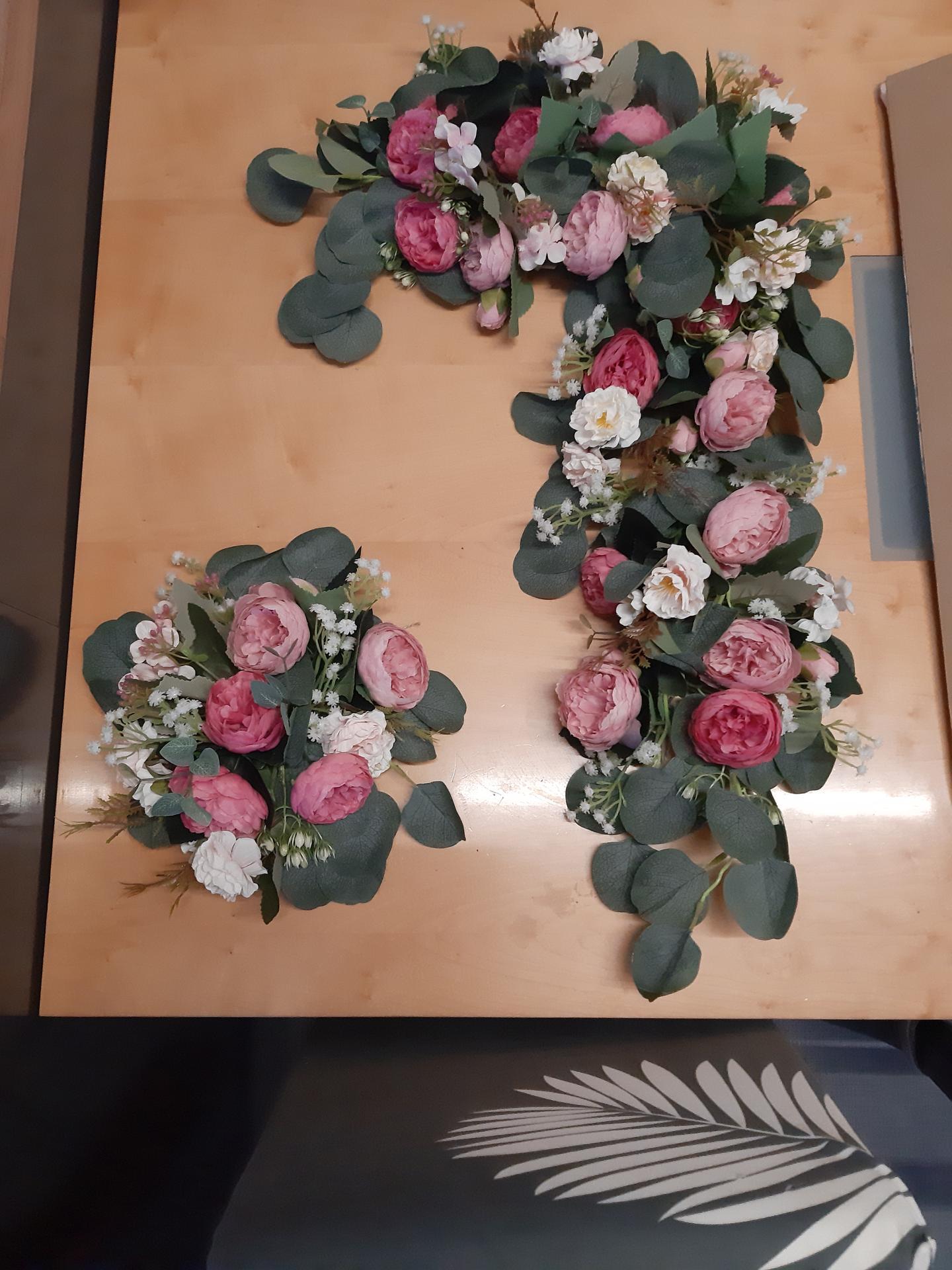Přípravy na den D - Umělá vazba na slavobránu, kytky z Wishe a cca 3h práce :)