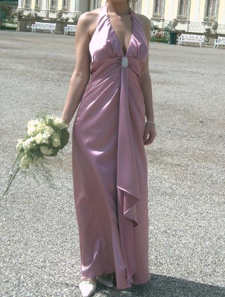 Společenské dlouhé fialové šaty - Obrázek č. 1