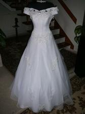 I would do anythin to have weddin dress like that..