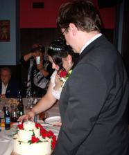 odzdobování dortu na krájení